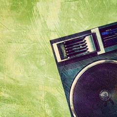 grunge speaker