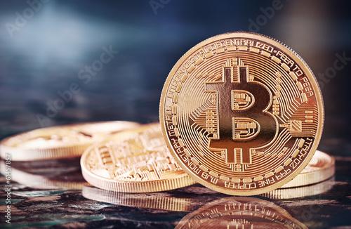 Leinwanddruck Bild Photo Golden Bitcoins (new virtual money )