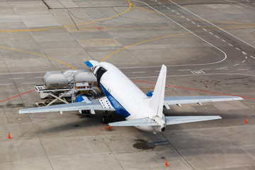 loading containers in the cargo aircraft