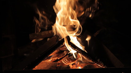 Burn fire with wood and legs