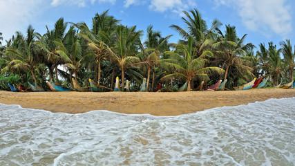 Sri Lanka - spiaggia di Mirissa - barche tipiche