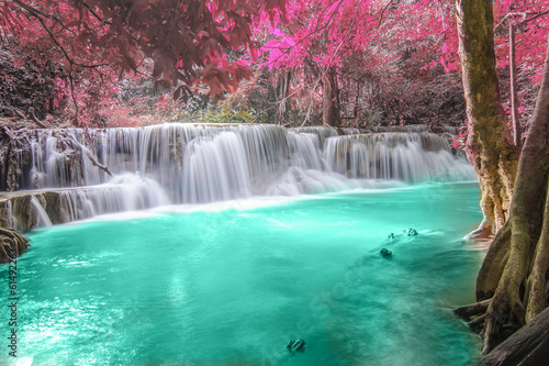 Foto op Plexiglas Landschappen Deep forest Waterfall in Kanchanaburi