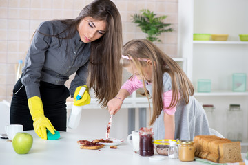 Mess with jam in the kitchen