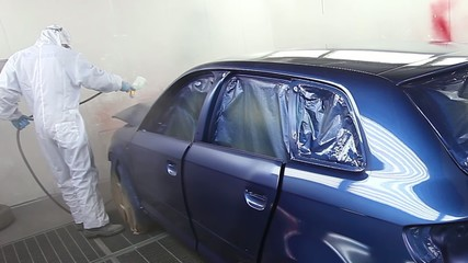 Varnishing a blue car