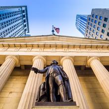 Façade de la Federal Hall avec Washington Statue sur le front,