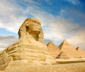 Famouse Sphinx and the great pyramids, Cairo, Egypt