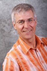 Portrait eines Mannes Mitte 50