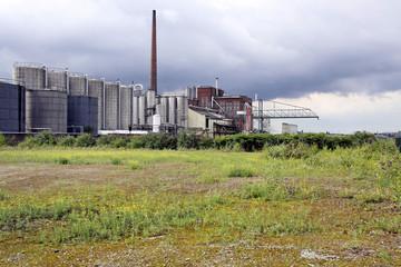 brachland im industriegebiet