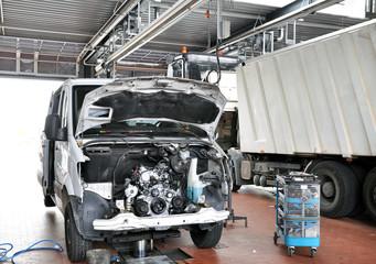 KFZ Werkstatt Motorenwartung Reparatur