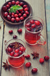 canvas print picture - Mulled wine with fresh cranberry