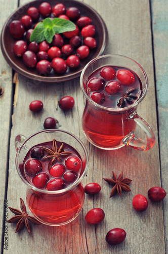 canvas print picture Mulled wine with fresh cranberry