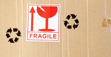 Fragile label on box
