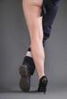 Beine einer Frau: Frauen in Handwerksberufen
