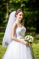 wedding girl in park
