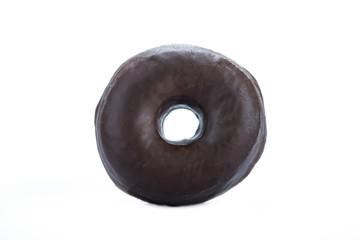 Donuts de chocolate aislado sobre fondo blanco