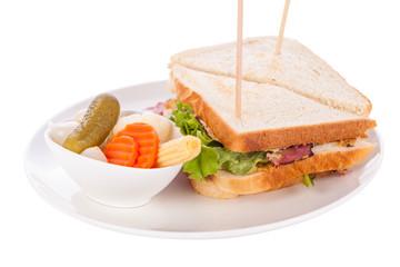 Leckeres sandwich clubsandwich mit bacon schinken käse