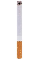 Brennende Zigarette mit Asche als Nahaufnahme isoliert