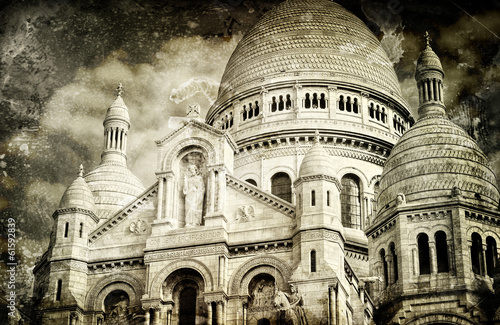 Aged vintage retro picture of Sacre Coeur Cathedral in Paris - 61592839