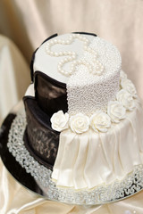 White and black wedding cake