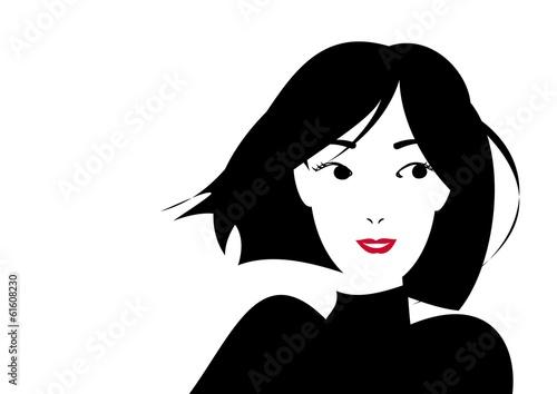 ショートカットの笑顔の女性