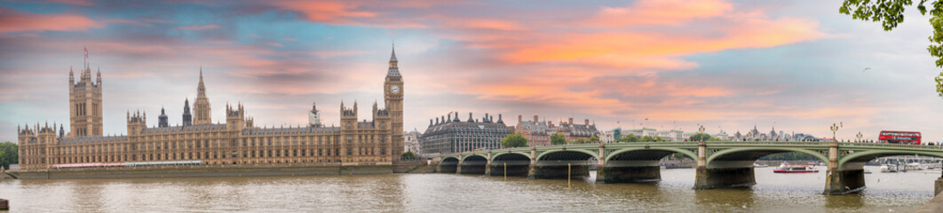 London at dusk. Autumn sunset over Westminster Bridge