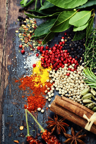 Spices and herbs - 61615031