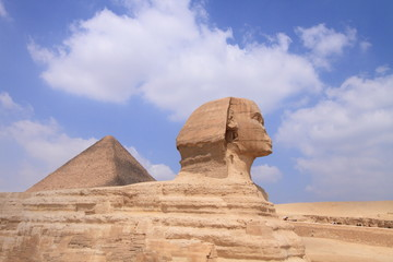 ancient Egyptian monument in Giza