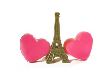 zwei Herzen mit Eiffelturm