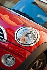 Auto sportiva colore rosso