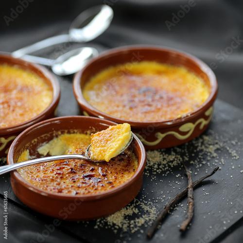crèmes brulées et cuillère 1 - 61635665