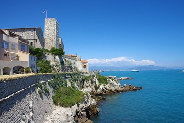 les remparts à Antibes (France)
