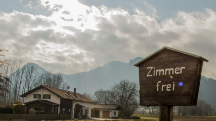 Tirol Farmhouse ofering rooms for rent time lapse