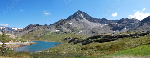 Gavia Pass, white lake