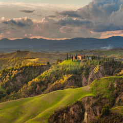 Spring weather on the Tuscan poetic fields