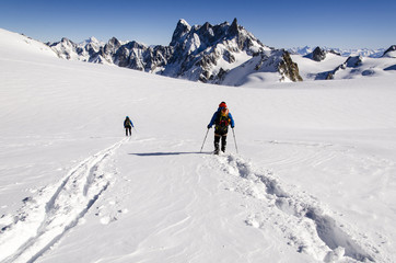 Skiers on Vallee Blanche