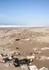 plage polluée
