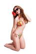 attraktive brünette Frau im Bikini