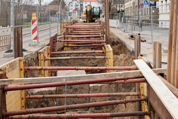 Kanalarbeiten - Strassenbau - Baugrubensicherung