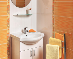 detail of a luxurious bathroom with accessories