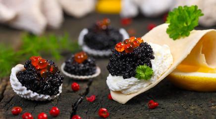 Kaviar, in Muscheln serviert