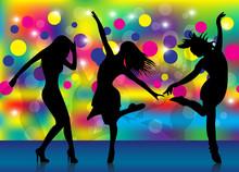 Filles dansent dans un club 2