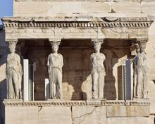 Statues cariatides antiques, temple de Erechthéion, Athènes Grèce