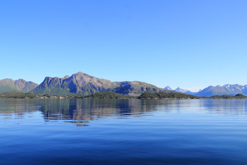 Holandsfjord mirrors