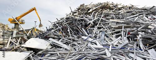 Leinwanddruck Bild Scrap metal recycling plant and crane