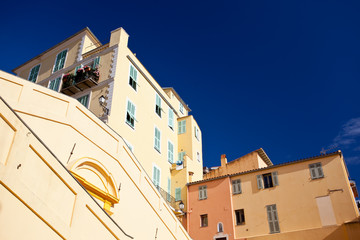 yellow building in Menton