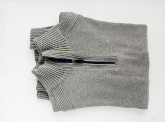 pull gris,col cheminée ,mode hiver