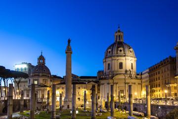 roma, Basilica Ulpia e la Colonna Traiana al tramonto