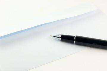 Una penna e una busta