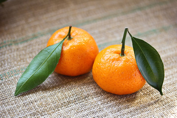 mandarines with leafs