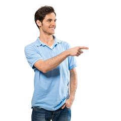 Mann zeigt auf Textfreiraum
